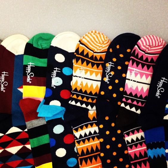 Are you into bright socks, or do you stick to basic black? #stylepoll #menswear #meeteastdane @happysocksofficial