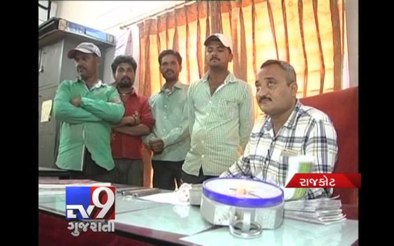 Rajkot :  SOG arrested four persons in connection with illegally refilling LPG and black marketing of LPG gas cylinders. The police also recovered 66 cylinders and Vehicle worth 2.25 lakhs from them. SOG raided at industrial area near Gondal road and four accused refilling cylinders were caught red- handed.  Subscribe to Tv9 Gujarati https://www.youtube.com/tv9gujarati Follow us on Dailymotion at http://www.dailymotion.com/GujaratTV9 Like us on Facebook at…