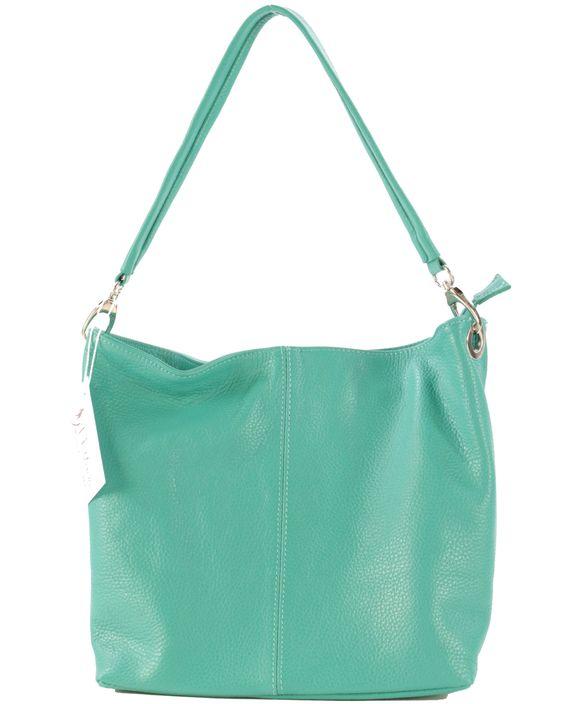 Let it shine ! A porter de jour comme de nuit, ce sac nous donne l'allure idéale pour briller en société. C'est sûr, les regards en coin ne manqueront pas !