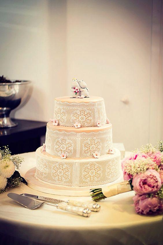 A moo men cake