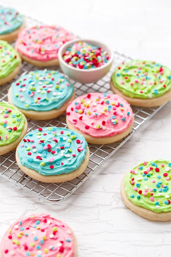 Frosted sugar cookies, Sugar cookies and Sugar on Pinterest