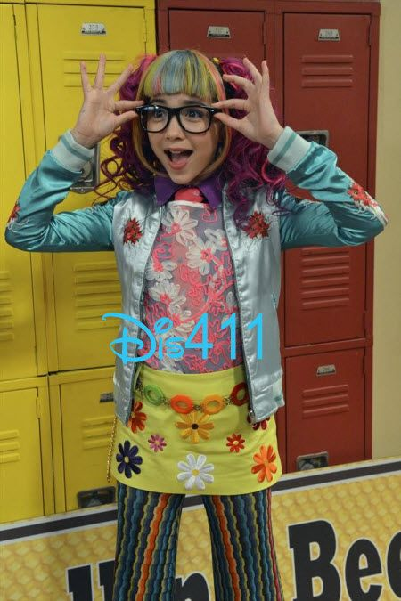 Girl meets world riley becomes a nerd