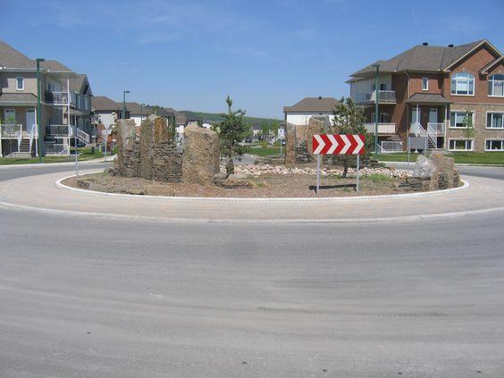 Un autre carrefour giratoire réalisé par Maxhorti au Québec. #Landscaping