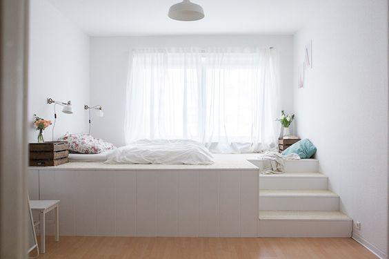 Das gemütliche, traumhafte Podestbett das Tom uns baute. Ein tolles DIY Projekt!