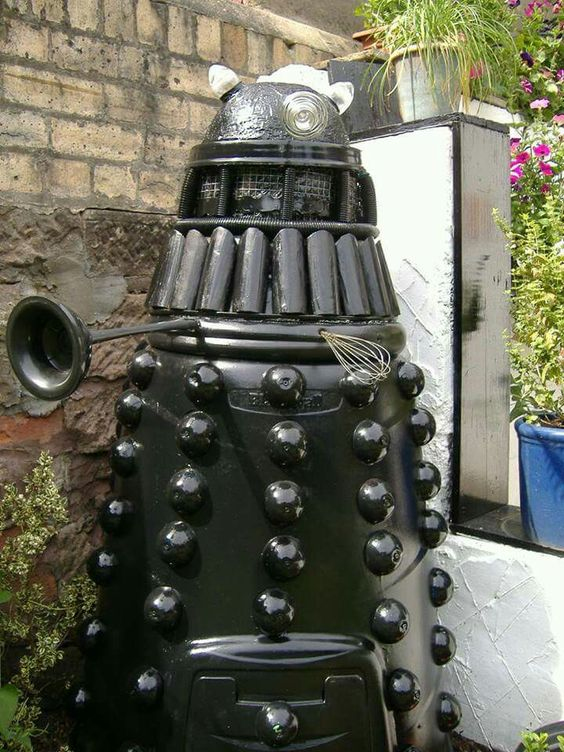 *grabby hands* A Dalek Composter!