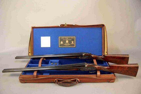 En vente vendredi 13 mai 2016 à Dijon et sur le Live Interencheres : Paire de fusils à platines J Purdey Sons. 2 coups, calibre 12/70, éjecteurs. Canons juxtaposés de 71 cm. Chokes 1 droit : .728 , 1/4 ; gauche : .728 , 3/4 ; 2 droit : .728 , 1/4 ; gauche : .728 , 3/4. Est. 20 000 - 22 000 euros.