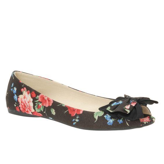 http://www.aldoshoes.com/us/women/shoes/flats/88372959-pollen/98  POLLEN  Description: Flat (0 to 0.5 in.)  Material: Fabric  Sole: Rubber  DCS: 11-02-01