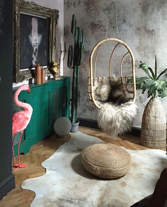 Décor do dia: sala com itens vintage e texturas naturais (Foto: reprodução)