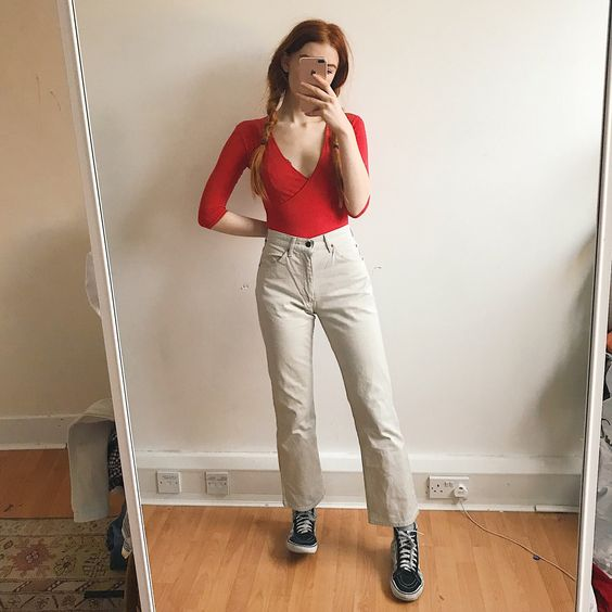 ❤️🍒Gorgeous off white thick denim high waisted mom jeans in - Depop