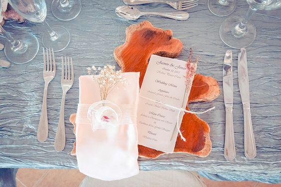 Natural, rustic, elegant wedding decor| Venue Kukua Punta Cana| Decor Begokua| Photos German Paz Photography