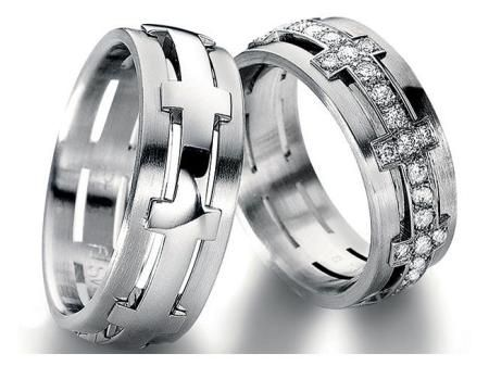 Check out this Furrer Jacot Men's Cross Band with diamond accents, available in your choice of metals!!