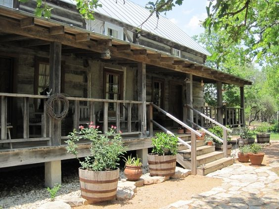 Texas hill country stone homes my red cape texas hill for Hill country stone