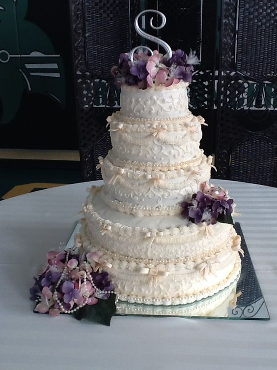 Taylor & Katelyn´s wedding cake