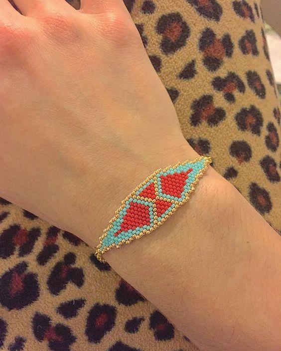 Peyote stitch bracelet. Soon on Etsy. The price is $15.99 #handmade #handmadejewelry #handmadewithlove #handmadebracelet #handmadebracelets #rucnevyrobeno #rucnivyroba #handbeadedjewelry #handbeaded #handbeadedbracelet #beads #beading #beaded #handmadebracelet #etsy #etsyshop #etsyseller #naramek #czechoslovakfashion #dnestvorim #seedbeads #seedbeadsbracelet #seedbeadstitching #goldbracelet #dnestvorim #tvorime #tvoříme #peyote #peyotestitch #peyotebracelet