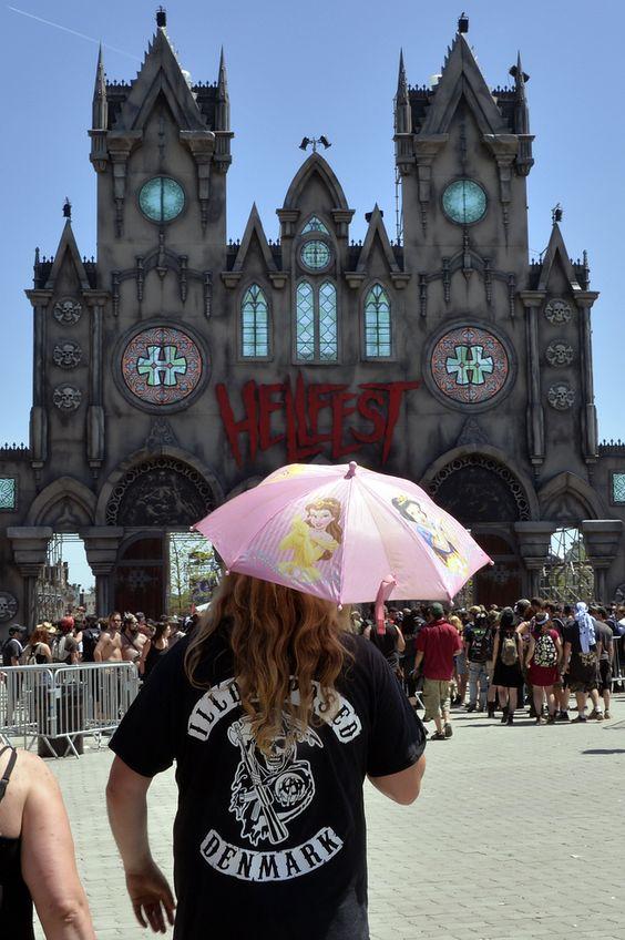 PHOTOS. #Hellfest 2015 Jeavy Metal Faestival: les looks les plus improbables vus sur le festival de metal