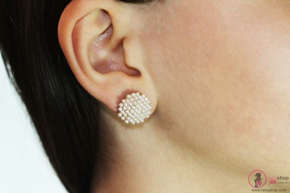 http://renyshop.com/32-aretes-moda #fashion #hechoamano #accesory #aretes #accesorios #jewelry #bisuteria #moda #fashionstyle #accesories #jewelrydesigners #accesories #jewelrydesigners #joyería #aretesmoda #areteselegantes #love #lovley #precious #earrings #elegance #renyshop #trendy #cristales #crystals #aretesmoda