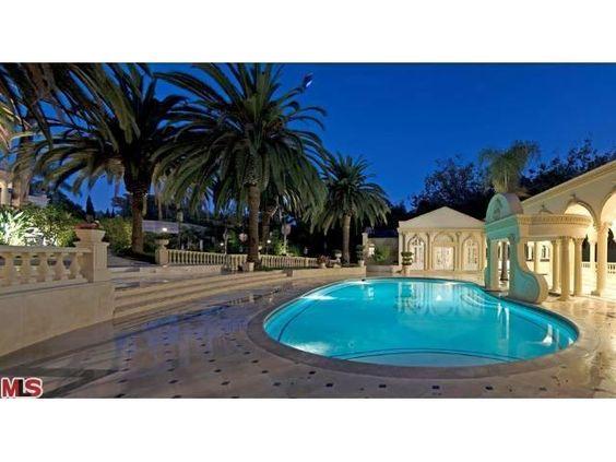 Pool Area--LOVE the patio!