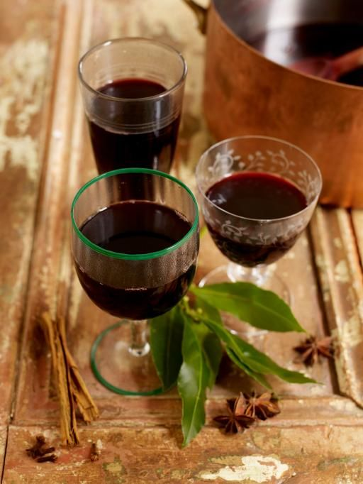 Jamie's red mulled wine: red wine, star anise, vanilla, nutmeg, cinnamon, cloves, bay leaves, sugar/honey, lemon, lime & orange.