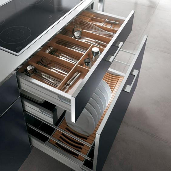 Great Use Of Deep Pan Drawers -internal Storage Systems