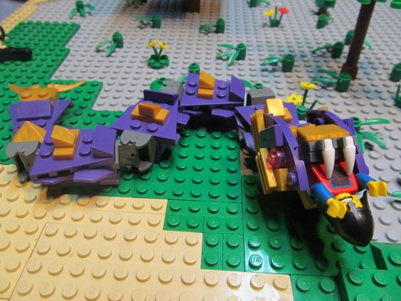 The Armoury: [BB16] Giant Purple Snake, by Legomc