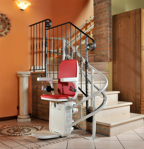 9 000 00 Buying A Reconditioned Ameriglide Platinum Hd Stair Lift Will Save You Thousands Of Dollars Without Sacrificing Qualit Stair Lift Stair Decor Stairs