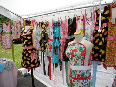 Cute way to hang clothes - booth ideas