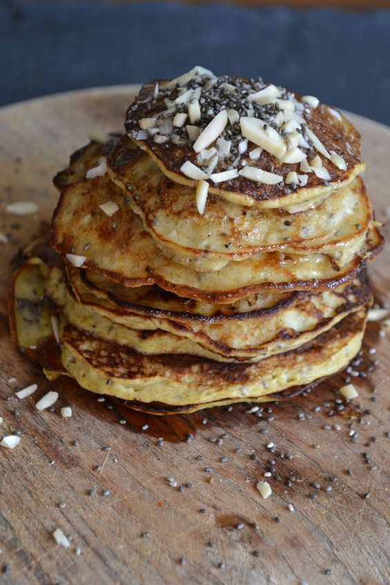 The Recipe Suitcase: Bananenpancakes mit Honig und Mandeln, OHNE Mehl