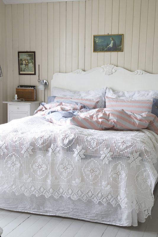 Покрывало на кровать вязанное