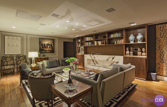 Decoração de Interiores - Salas de Estar  Muita elegância em salas de estar cheias de estilo!  Projetos de Camile Guedes, Tiago Angeli e Ricardo Leão.  Veja mais em nosso blog!  http://decoraclick.com.br/decoracao-de-interiores-salas-de-estar-26/