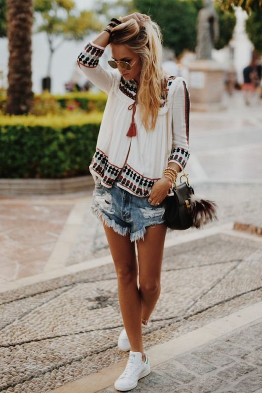 http://the-naughty-southern-belle.tumblr.com/post/128112131575/afashionlines-httpafashionlinestumblrcom