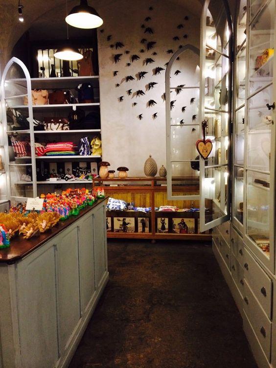A Vida Portuguesa - awesome shop full of portuguese things