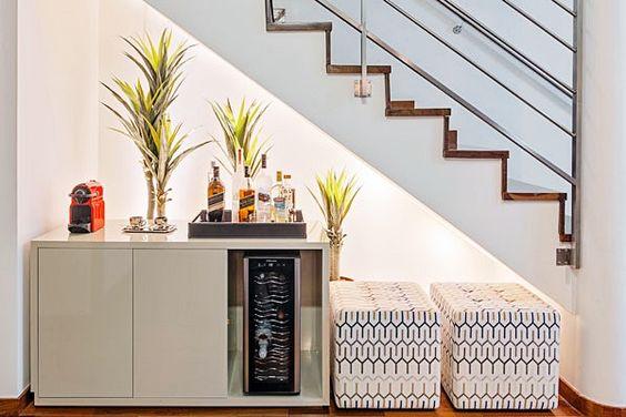 cantinho bar café embaixo da escada