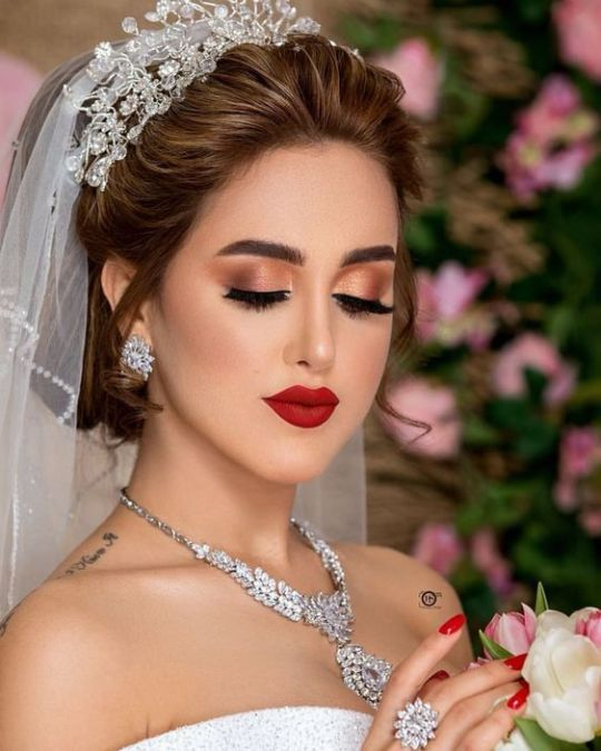 Red Lip Fantasy Indian Wedding Hairstyles Wedding Hair And Makeup Dramatic Bridal Makeup