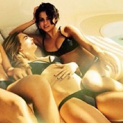 Is Selena Gomez Lesbian 28
