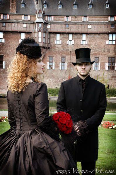 Victorian goth Couple
