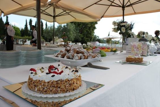 Sweet wedding Dessert buffet !!! http://www.myperfectwedding.it Wedding Planner http://www.initalywedding.com/home-en
