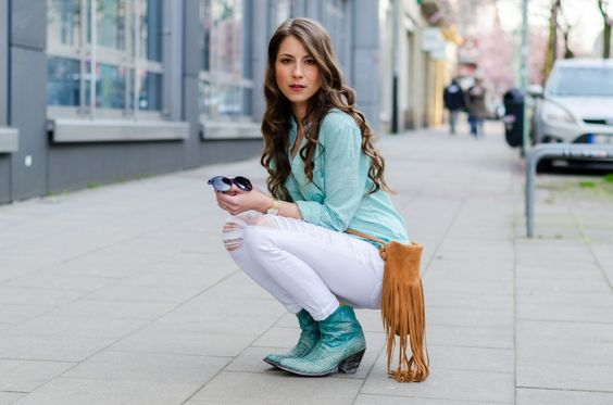 OUTFIT: WALKING IN MY COWBOY BOOTIES