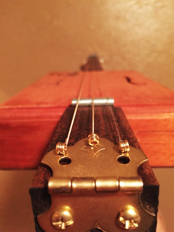 diy cigar box guitar awesome chang 39 e 3 and how to make. Black Bedroom Furniture Sets. Home Design Ideas