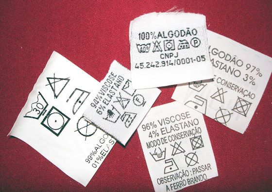 Etiquetas de roupas - Moda
