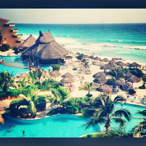 Places I'd like to be. . . .Cancun, Mexico. What a beautiful place!