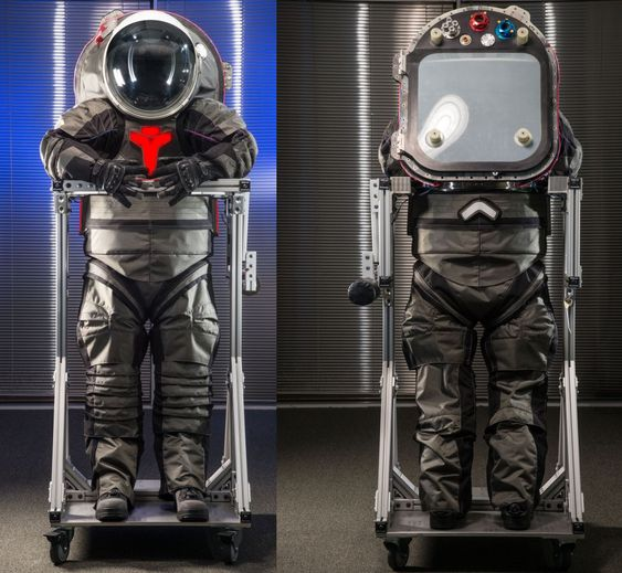 mars landing outfit -#main