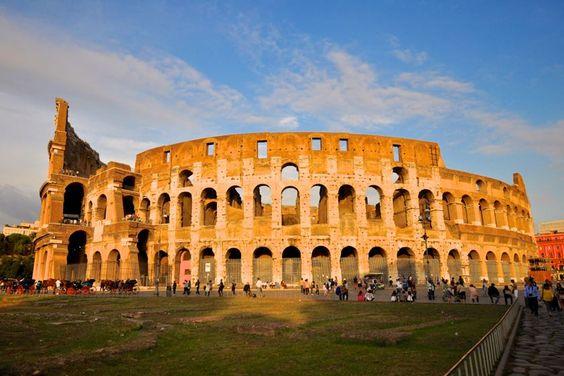 Wahrzeichen Roms: das imposante Kolosseum.