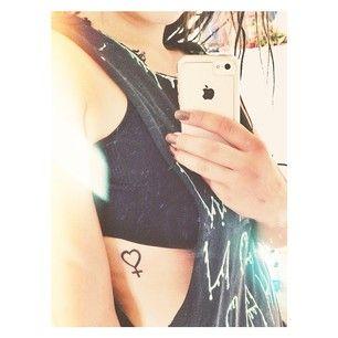 O esta aproximación ligeramente más romántica: | 23 tatuajes feministas que destrozan por completo el patriarcado