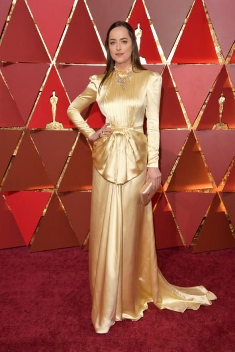 Dakota Johnson trop sage dans aux Oscars 2017