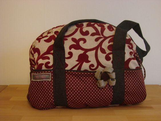 Schöne Schultertasche mit vielen Details von My Bag auf DaWanda.com