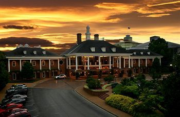 Gaylord Opryland Resort and Spa is minutes away from downtown Nashville and reflects traditional Southern hospitality with its assorted range of rooms and facilities.     Prices starting from $264.00