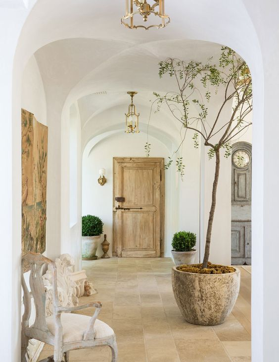 patina-farm-giannetti-vintage-door-boxwood-hellolovely-hello-lovely-studio-french-farmhouse-beautiful-home