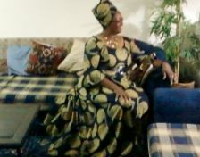 Elegance at its best..household Queen!