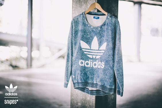 Für unsere Ladies - neu eingetroffen! Das adidas Sweatshirt bekommst du in den Größen XS - L für 79,99 Euro im SNIPES Onlineshop oder in ausgewählten SNIPES Stores. Ein echter Hingucker! #snipes #adidas #streetwear