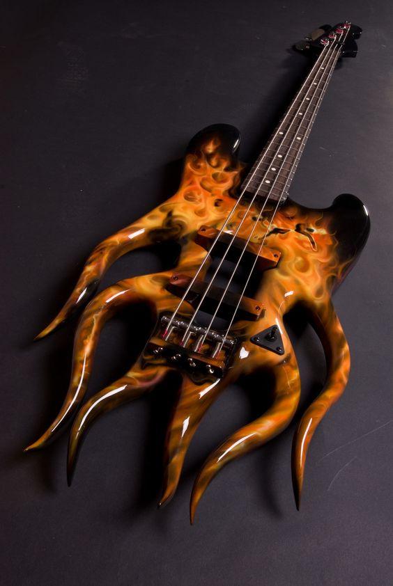 Персонализирана Flame Bass: